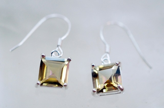 Meaning Behind Gemstones-Topaz