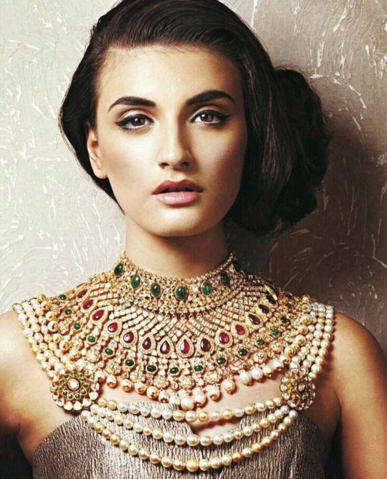 Heavily layered Kundan necklace