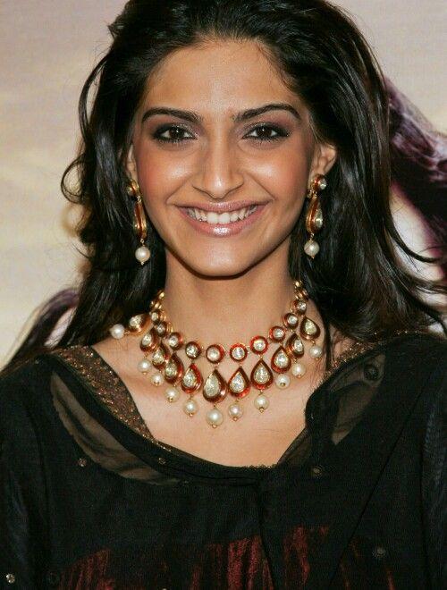 Bollywood actress Sonam Kapoor wearing Kundan set
