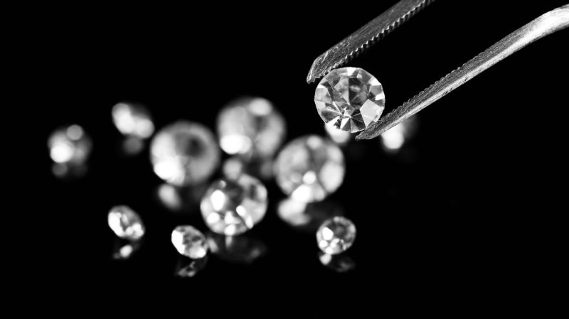 How To Test A Diamond – 9 Simple Ways!