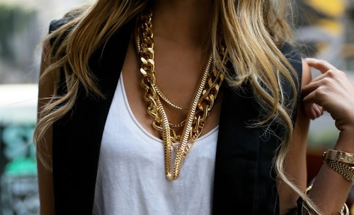 How to wear layered gold chains