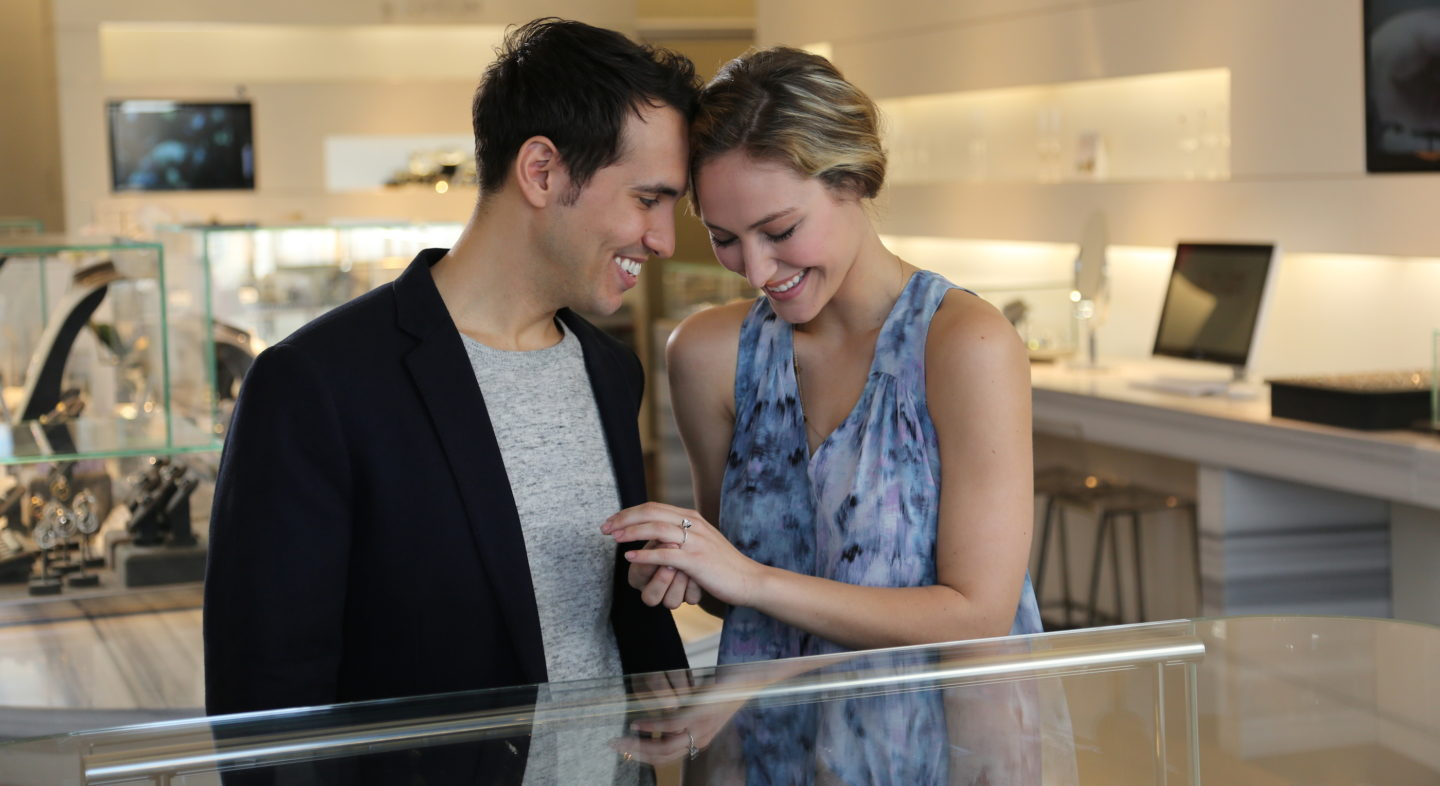 Shopping-for-engagement-ring-together