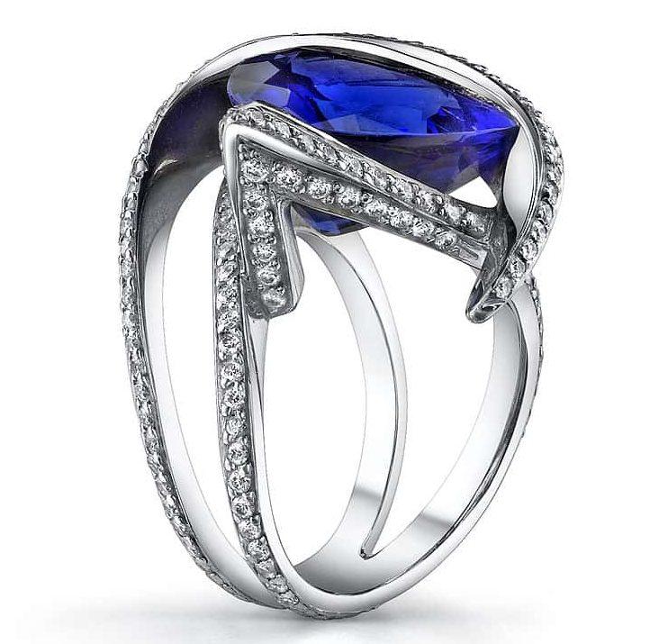 Exquisite tanzanite platinum ring