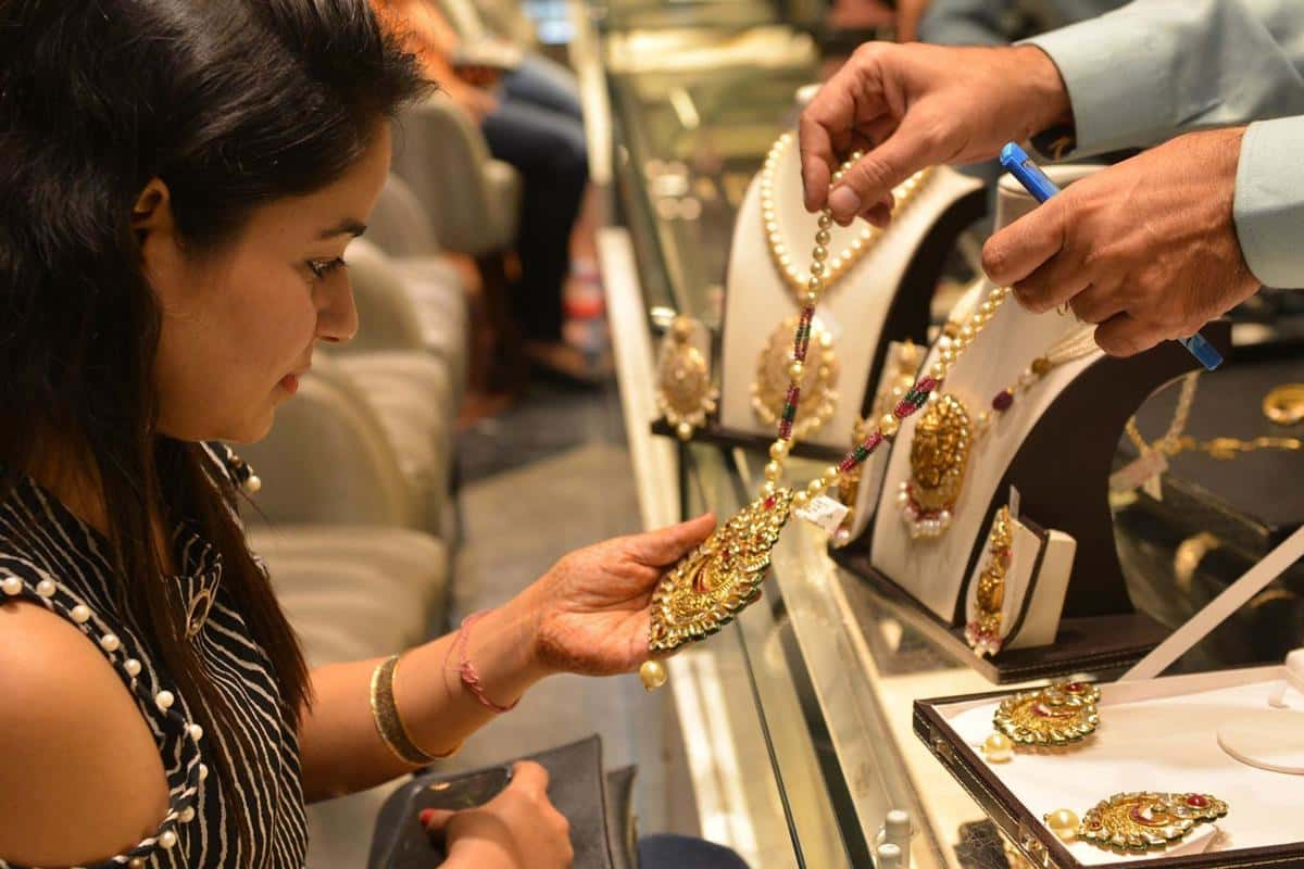 Golden Rules: How To Buy Gold Jewellery