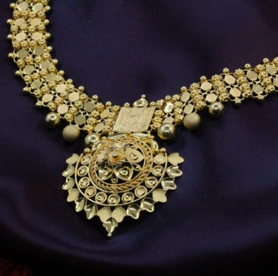 Kadambini Chandraharam Gold Necklace
