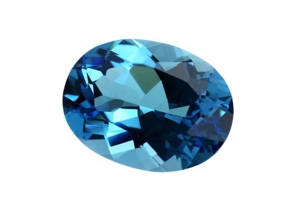 Pisces Birthstone: The Myth & Meaning Behind Aquamarine
