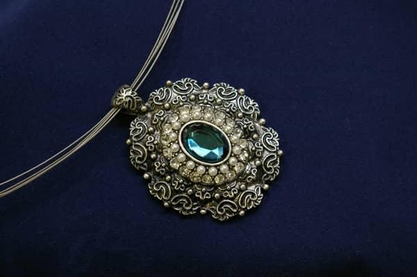 How To Buy Antique Jewellery