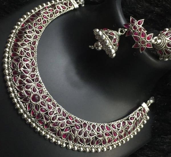 Art jewellery