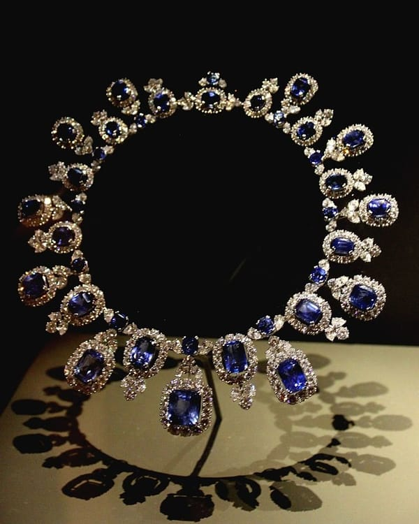 Blue_Sapphire_&_Diamond_Necklace