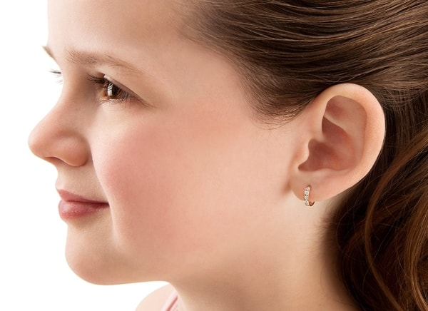 This image has an empty alt attribute; its file name is earrings_for_kids_14_UMbgt.jpg