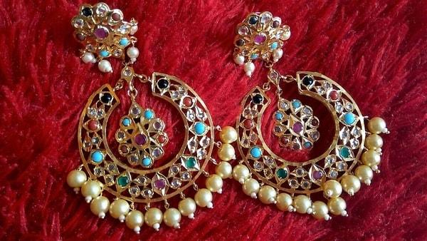 Moon-shaped earrings